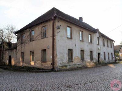 Prodej bývalé hospody - v KN vedeno jako RD, v obci Džbánov